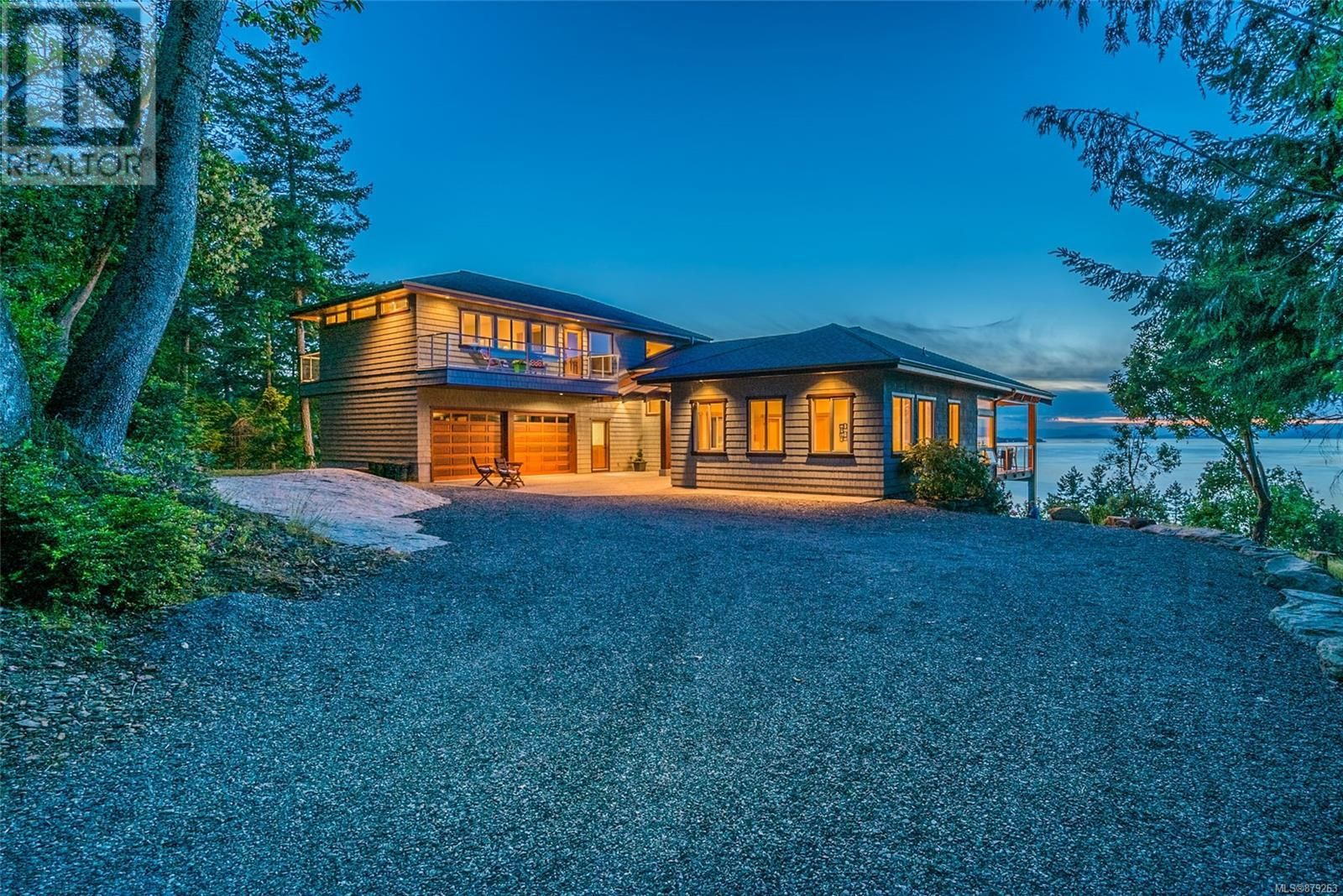 Photo 3: Photos: 825 Duthie Ave in Gabriola Island: House for sale : MLS®# 879263