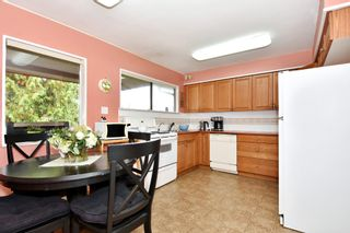 """Photo 7: 4785 FAIRLAWN Drive in Burnaby: Brentwood Park House for sale in """"Brentwood Park"""" (Burnaby North)  : MLS®# R2305657"""