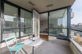 """Photo 1: 403 160 W 3RD Street in North Vancouver: Lower Lonsdale Condo for sale in """"ENVY"""" : MLS®# R2535925"""