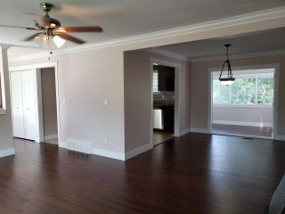Photo 7: 3858 CHADSEY Crescent in Abbotsford: Central Abbotsford House for sale : MLS®# R2583518