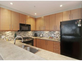 Photo 3: # 304 188 W 29TH ST in North Vancouver: Upper Lonsdale Condo for sale : MLS®# V1043206