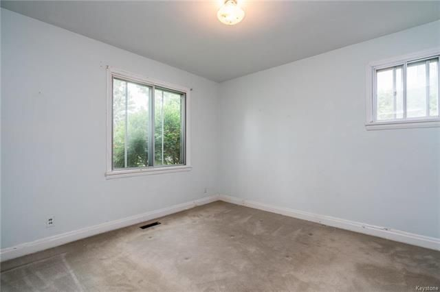 Photo 9: Photos: 516 Montague Avenue in Winnipeg: Riverview Residential for sale (1A)  : MLS®# 1817689