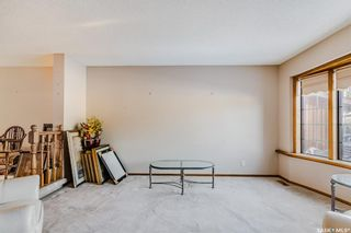 Photo 3: 366 Wakaw Crescent in Saskatoon: Lakeview SA Residential for sale : MLS®# SK855263