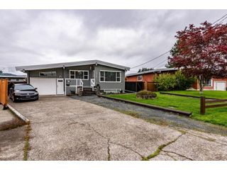 Photo 2: 10107 FAIRBANKS Crescent in Chilliwack: Fairfield Island House for sale : MLS®# R2625855