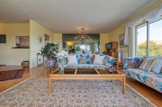 """Photo 12: 8 554 EAGLECREST Drive in Gibsons: Gibsons & Area Townhouse for sale in """"Georgia Mirage"""" (Sunshine Coast)  : MLS®# R2474537"""
