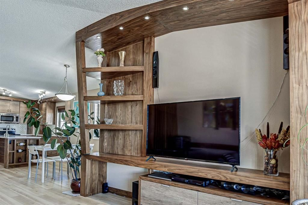 Photo 6: Photos: 230 EVERSYDE Boulevard SW in Calgary: Evergreen Apartment for sale : MLS®# A1071129