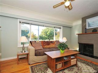 Photo 2: 2415 Oregon Ave in VICTORIA: Vi Fernwood House for sale (Victoria)  : MLS®# 657064