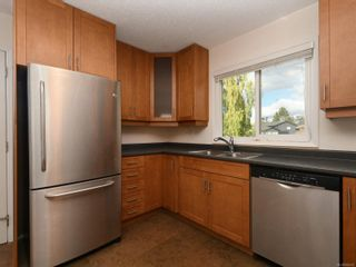 Photo 9: 2101 Rennie Pl in : Si Sidney South-West House for sale (Sidney)  : MLS®# 858574