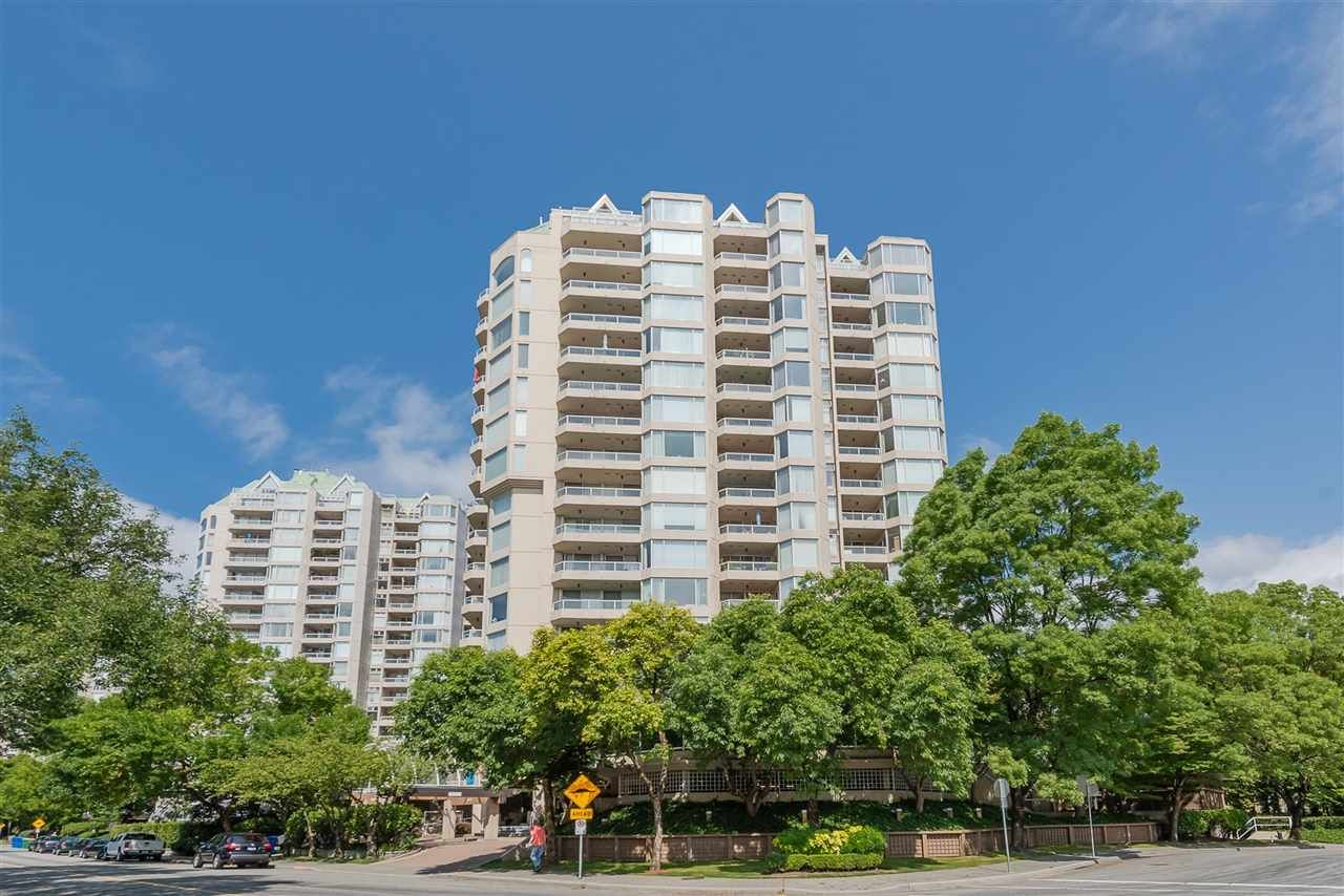 "Main Photo: 105 1045 QUAYSIDE Drive in New Westminster: Quay Condo for sale in ""QUAYSIDE TOWER 1"" : MLS®# R2392690"