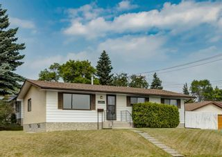 Photo 1: 7107 Hunterview Drive NW in Calgary: Huntington Hills Detached for sale : MLS®# A1130573