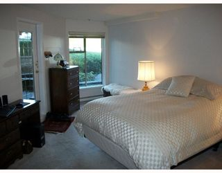 "Photo 5: 103 78 RICHMOND Street in New Westminster: Fraserview NW Condo for sale in ""GOVERNORS COURT"" : MLS®# V812374"