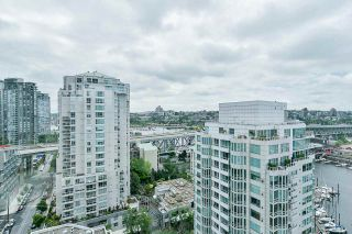 """Photo 17: 2002 1500 HORNBY Street in Vancouver: Yaletown Condo for sale in """"888 BEACH"""" (Vancouver West)  : MLS®# R2461920"""