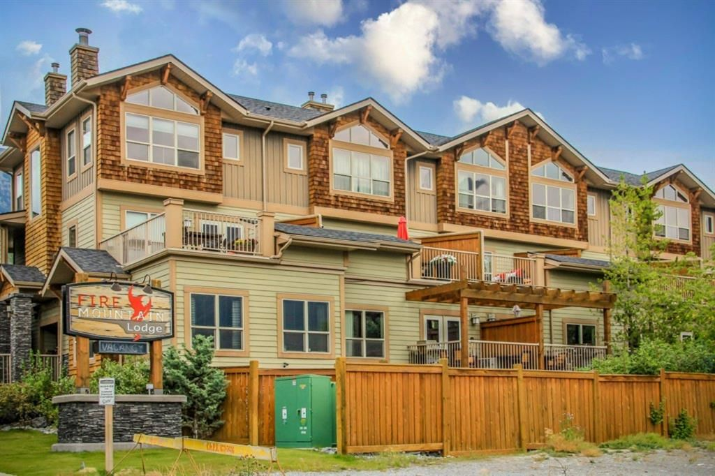 Main Photo: 104 121 Kananaskis Way: Canmore Row/Townhouse for sale : MLS®# A1146228