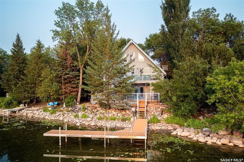 Main Photo: 5 Pike Street in Pike Lake: Residential for sale : MLS®# SK865375