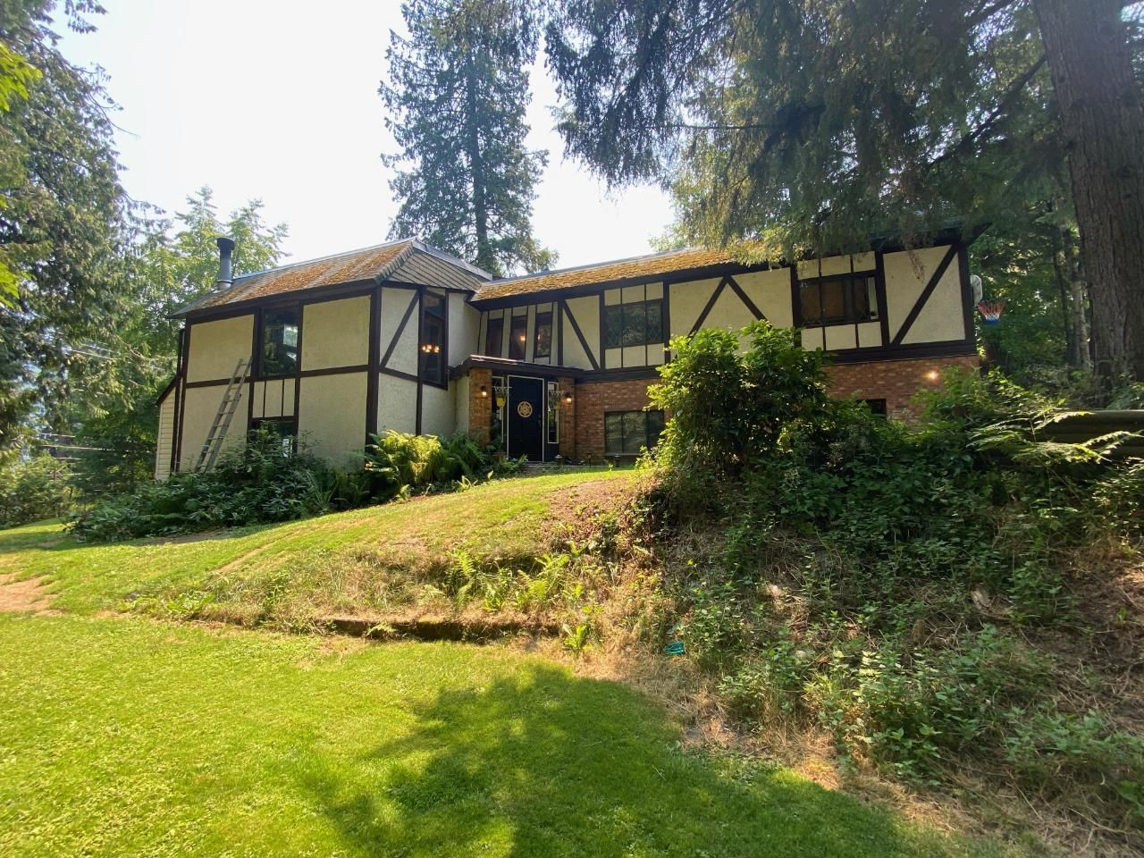 Main Photo: 1832 RIDGEWOOD ROAD in Nelson: House for sale : MLS®# 2459910
