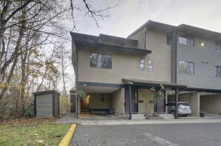 """Photo 1: 3490 NAIRN Avenue in Vancouver: Champlain Heights Townhouse for sale in """"COUNTRY LANE"""" (Vancouver East)  : MLS®# R2419271"""