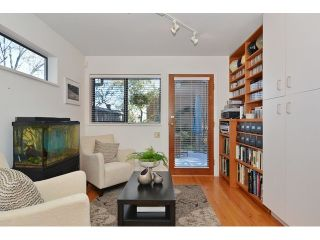 """Photo 7: 3256 FLEMING Street in Vancouver: Knight House for sale in """"CEDAR COTTAGE"""" (Vancouver East)  : MLS®# V1116321"""