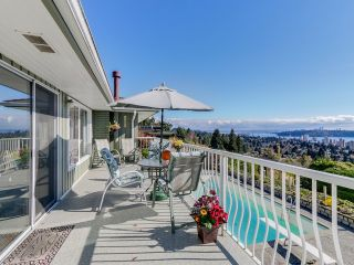 Photo 11: 2550 QUEENS Avenue in West Vancouver: Queens House for sale : MLS®# R2591491