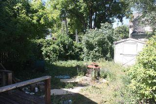 Photo 3: 131 Lisgar Avenue in Winnipeg: Point Douglas Residential for sale (4A)  : MLS®# 202120464