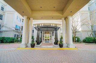 """Photo 2: 207 3098 GUILDFORD Way in Coquitlam: North Coquitlam Condo for sale in """"Malborough House"""" : MLS®# R2449072"""