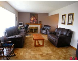 "Photo 3: 15141 DOVE Place in Surrey: Bolivar Heights House for sale in ""BIRDLAND"" (North Surrey)  : MLS®# F2905291"