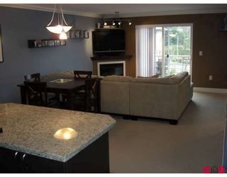 "Photo 4: 422 2515 PARK Drive in Abbotsford: Abbotsford East Condo for sale in ""Viva on Park"" : MLS®# F2811620"