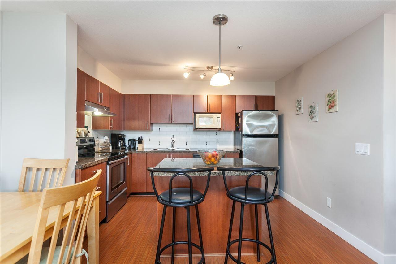 "Photo 5: Photos: 108 12075 228 Street in Maple Ridge: East Central Condo for sale in ""RIO"" : MLS®# R2165368"
