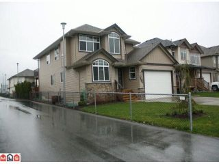 """Photo 2: 34807 1ST Avenue in Abbotsford: Sumas Mountain House for sale in """"HUNTINGDON"""" : MLS®# F1108749"""