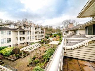 """Photo 32: 305 3766 W 7TH Avenue in Vancouver: Point Grey Condo for sale in """"THE CUMBERLAND"""" (Vancouver West)  : MLS®# R2583728"""