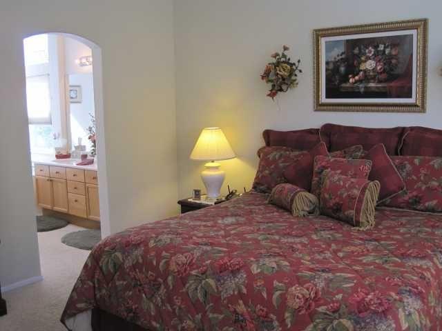 Photo 5: Photos: EAST ESCONDIDO House for sale : 3 bedrooms : 2461 Fallbrook in Escondido