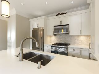 Photo 19: 3209 W 2ND AVENUE in Vancouver: Kitsilano Townhouse for sale (Vancouver West)  : MLS®# R2527751