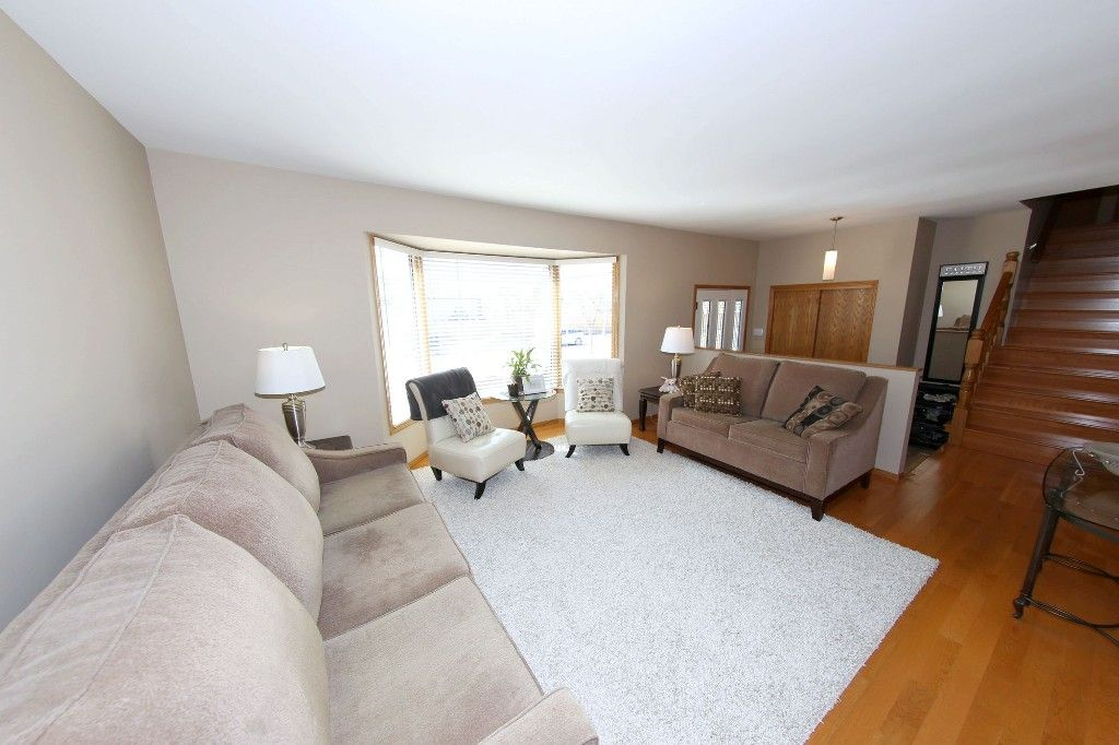 Photo 5: Photos: 123 Hunterspoint Road in Winnipeg: Charleswood Single Family Detached for sale (1G)  : MLS®# 1707500