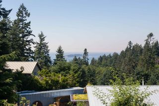 """Photo 4: 1540 WHITE SAILS Drive: Bowen Island House for sale in """"Tunstall Bay"""" : MLS®# R2613126"""