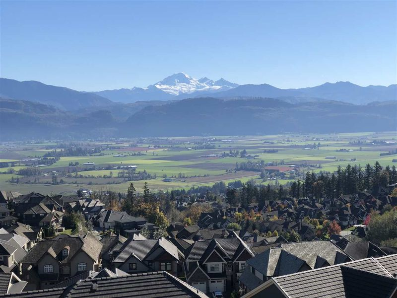 FEATURED LISTING: 2765 EAGLE MOUNTAIN Drive Abbotsford