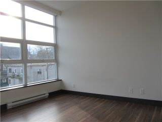 """Photo 9: 404 1088 W 14TH Avenue in Vancouver: Fairview VW Condo for sale in """"COCO"""" (Vancouver West)  : MLS®# V1044068"""