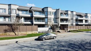 """Photo 20: 312 1840 E SOUTHMERE Crescent in Surrey: Sunnyside Park Surrey Condo for sale in """"SOUTHMERE MEWS WEST"""" (South Surrey White Rock)  : MLS®# R2443327"""
