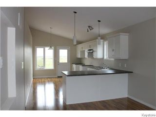 Photo 3: 720 W 1st Street in Stonewall: Residential for sale : MLS®# 1530337