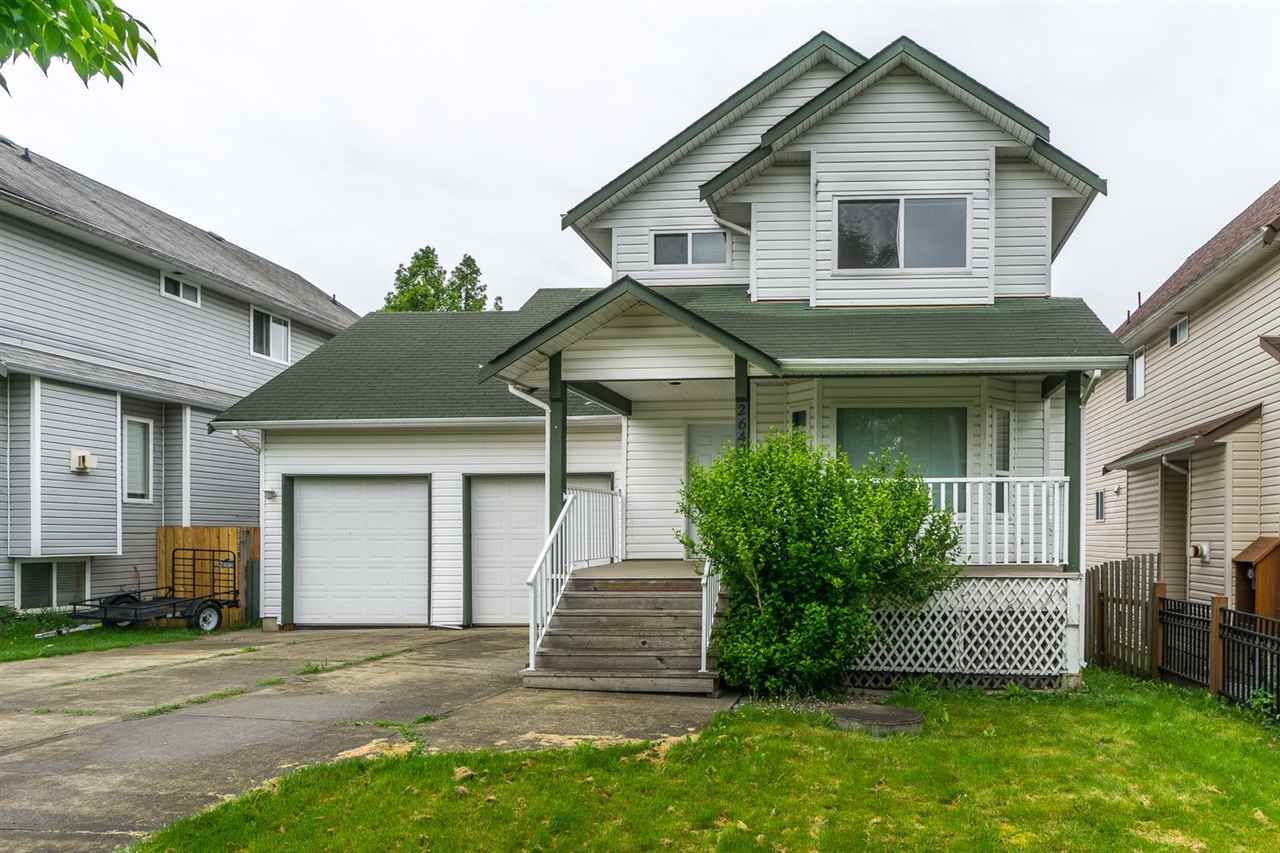 Main Photo: 26431 32 Avenue in Langley: Aldergrove Langley House for sale : MLS®# R2072232