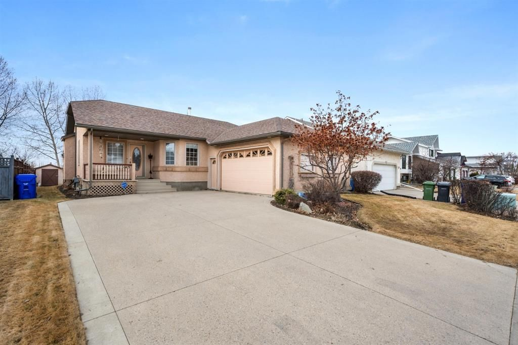 Main Photo: 143 Balsam Crescent: Olds Detached for sale : MLS®# A1091920