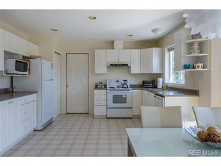 Photo 9: 6775 Danica Pl in VICTORIA: CS Martindale House for sale (Central Saanich)  : MLS®# 740131