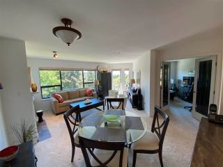"""Photo 7: 403 5855 COWRIE Street in Sechelt: Sechelt District Condo for sale in """"THE OSPREY"""" (Sunshine Coast)  : MLS®# R2581571"""