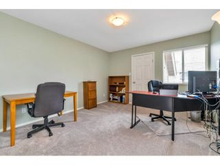 """Photo 17: 6139 W BOUNDARY Drive in Surrey: Panorama Ridge Townhouse for sale in """"LAKEWOOD GARDENS"""" : MLS®# R2452648"""