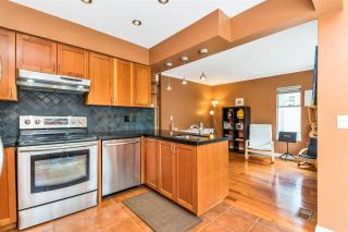 """Photo 15: 9279 GOLDHURST Terrace in Burnaby: Forest Hills BN Townhouse for sale in """"Copper Hill"""" (Burnaby North)  : MLS®# R2466536"""
