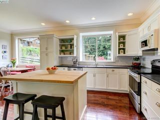 Photo 11: 8708 Pylades Pl in NORTH SAANICH: NS Dean Park House for sale (North Saanich)  : MLS®# 799966