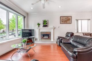Photo 2: 3465 E 3RD Avenue in Vancouver: Renfrew VE House for sale (Vancouver East)  : MLS®# R2572524