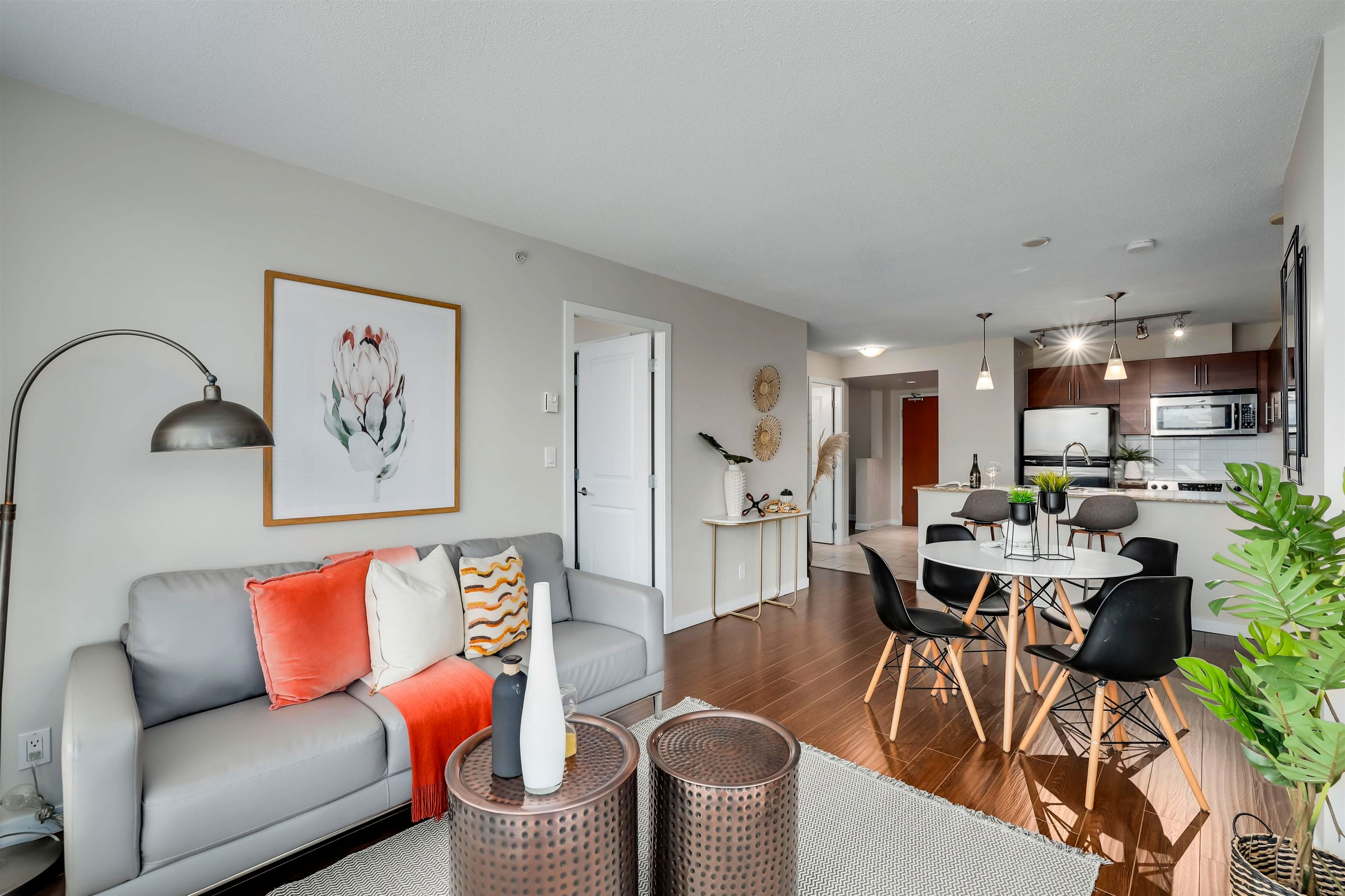 Main Photo: 907 814 ROYAL Avenue in New Westminster: Downtown NW Condo for sale : MLS®# R2617600