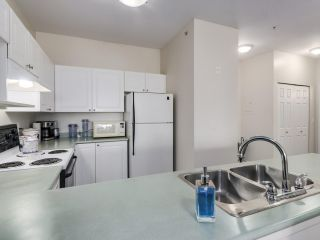 """Photo 8: 207 2109 ROWLAND Street in Port Coquitlam: Central Pt Coquitlam Condo for sale in """"PARKVIEW PLACE"""" : MLS®# R2542754"""