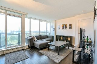 """Photo 4: 704 10777 UNIVERSITY Drive in Surrey: Whalley Condo for sale in """"CITY POINT TOWER 1"""" (North Surrey)  : MLS®# R2237495"""