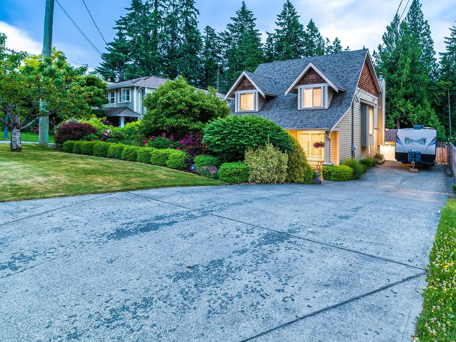 Main Photo: 5419 Dunster Rd in : Na Pleasant Valley House for sale (Nanaimo)  : MLS®# 877574