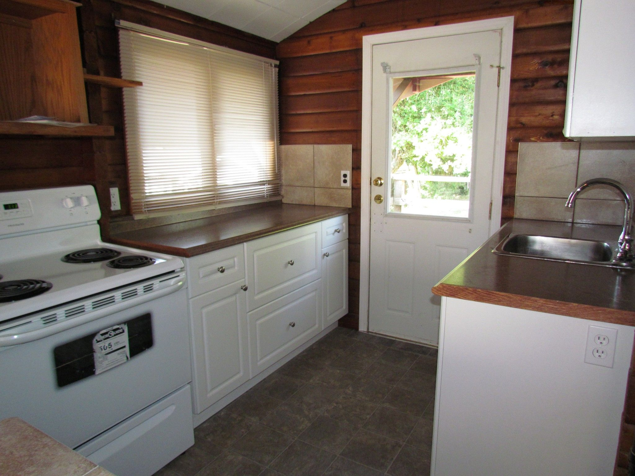 Photo 4: Photos: 33489 George Ferguson Way in Abbotsford: Central Abbotsford House for rent